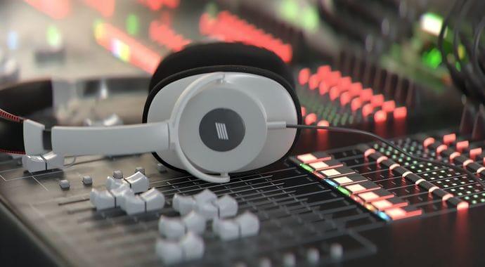 Denoised Headphones by V-Ray